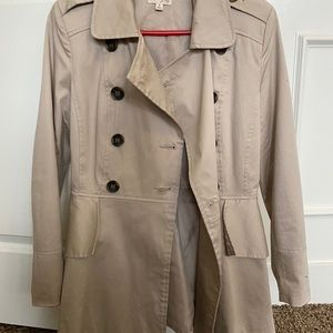 Maison Jules Ruffle Trench Coat. Worn once size S